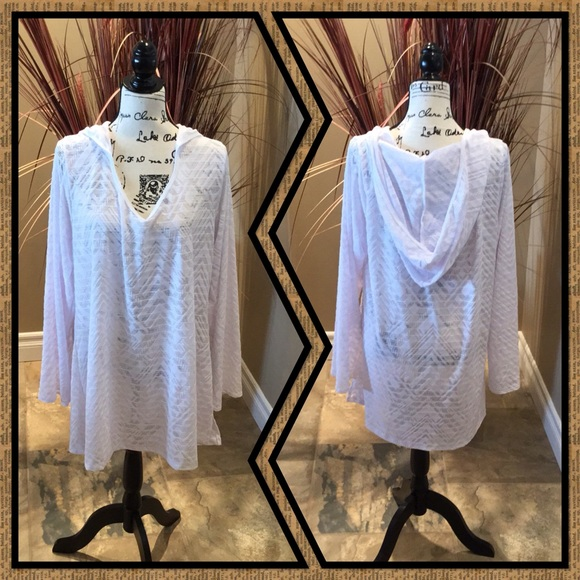 263fbf43b6 Dotti Other - Long Sleeve Beach Cover Up with Hood